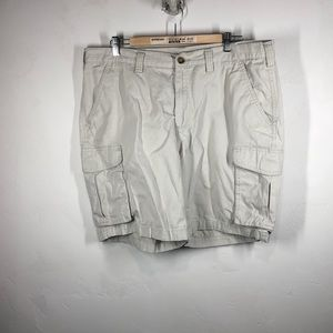 Croft & Barrow khaki cargo shorts size 38